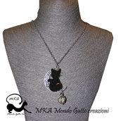 """Collana in metallo con catenina e pietra luminescente """" La Luna il Gatto e la Stella"""""""
