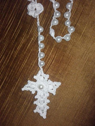Rosario all'uncinetto con perle, cotone bianco, idea regalo.