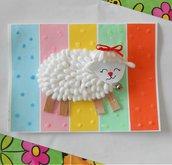 Agnello di cotton fioc su arcobaleno • Biglietto di Pasqua