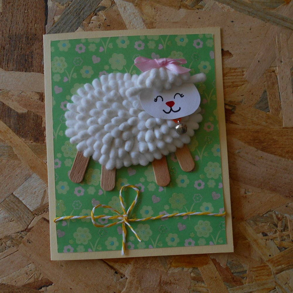 Agnello di cotton fioc con tulipani origami • Biglietto di Pasqua