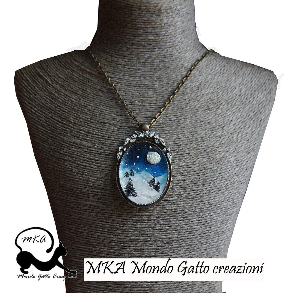 """catenina e Medaglione in Bronzo con Paesaggio creato in Fimo """" Notte Innevata"""""""