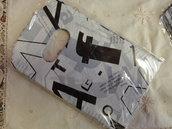 10 bustine plastica bianche con scritte nere 15x9 cm.