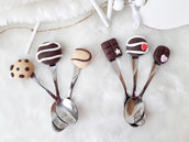 Bomboniere cucchiani mix dolcetti segnaposti decorati in fimo