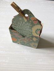 Porta confetti scatolina bomboniera cestino con mollettina in legno