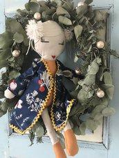 Bambola di pezza orientale