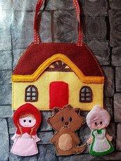 Cappuccetto Rosso  e la casa