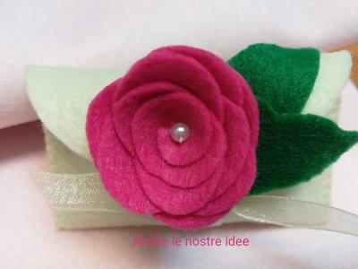 portaconfetti - segnaposto con rosellina in pannolenci
