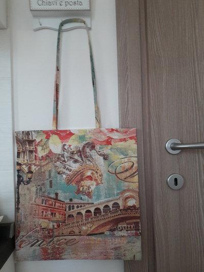 Inserzione corretta shopper Venezia per il sig. F.