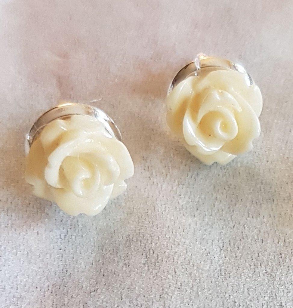 Orecchini di rose bianche