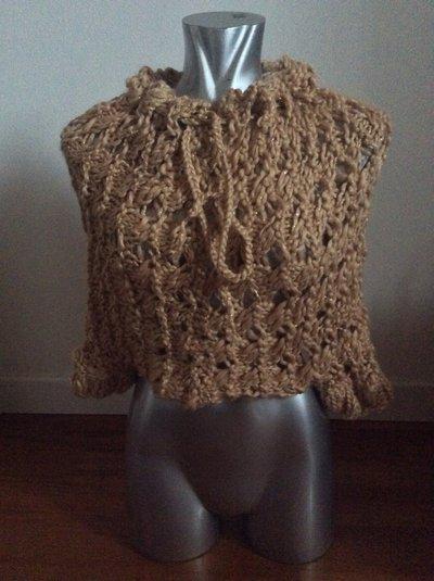 Coprispalle traforato in lana