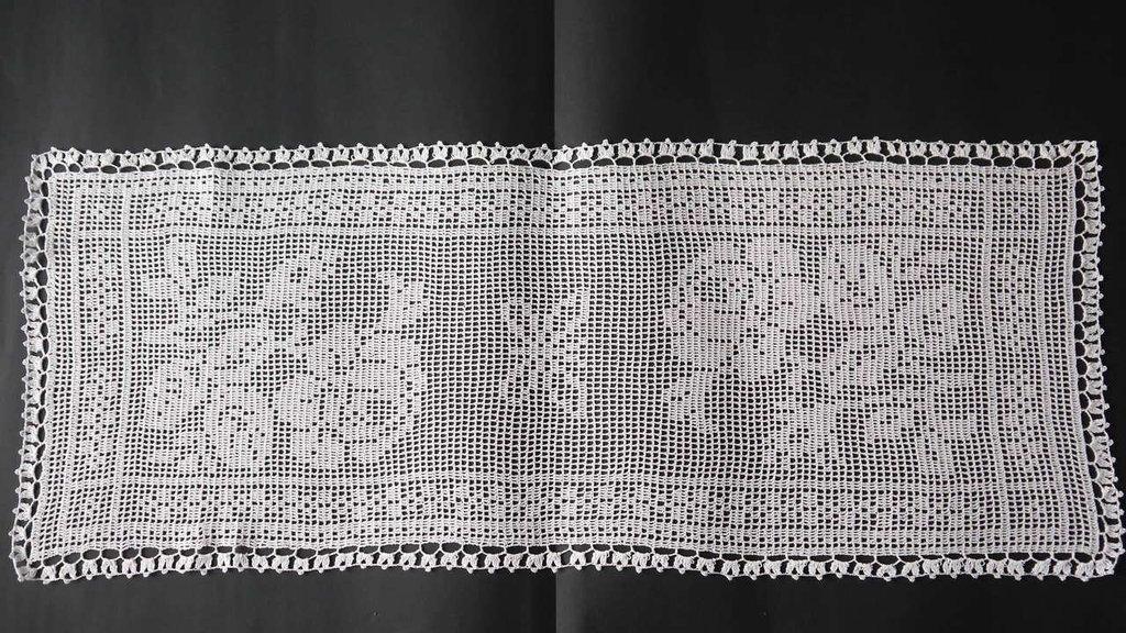 Favolosa striscia centro tavolo fatto a mano uncinetto in cotone nr 18  idea regalo
