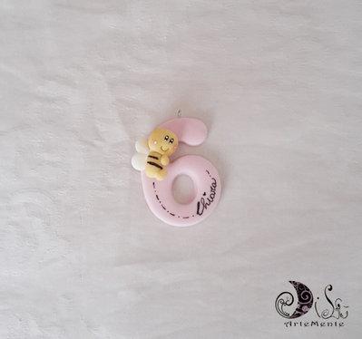 Bomboniera compleanno bimba numero con animaletti ciondolo calamita portachiave applicazione personalizzabile con nome