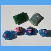 sei calamite in resina con glitter e pigmenti di varie tonalità realizzati a mano