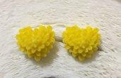 Cuore fiore giallo,orecchini a lobo
