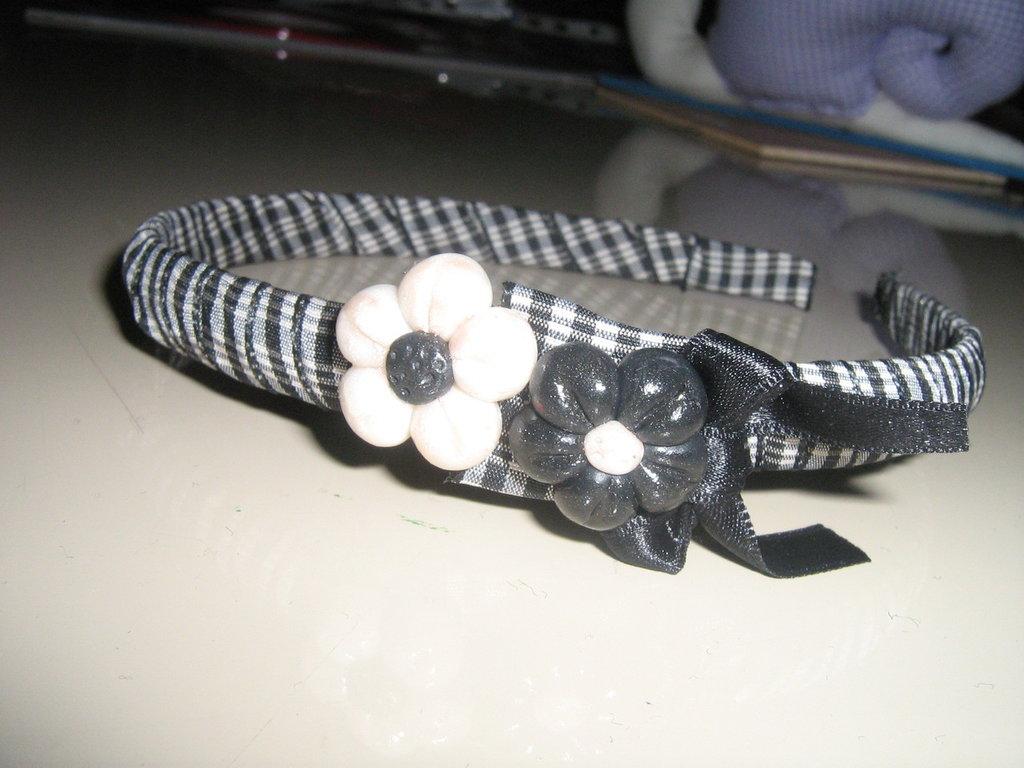 Frontino black & white