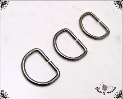 10 anelli D, spazio interno mm. 20,  in metallo a filo tondo apribile, colore canna di fucile