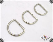 10 anelli D, spazio interno mm.12,  in metallo a filo tondo apribile, colore argento