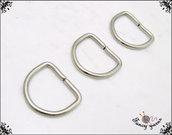 10 anelli D, spazio interno mm.10,  in metallo a filo tondo apribile, colore argento