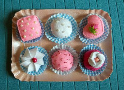 PASTICCINI GOLOSI in feltro - gioco creativo, montessori, Felt Swiss cakes set. Felt bakery. Felt pastry. Toy kitchen. Felt sweets shop