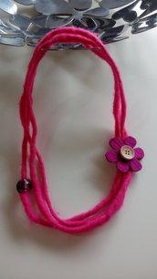Collana feltro fiore