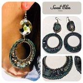 orecchini pendenti con cristalli verde smeraldo