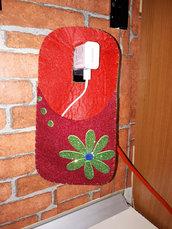 Porta cellulare in ricarica