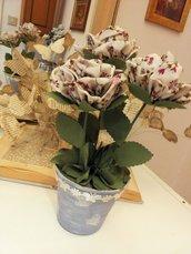VASETTO COLOR VIOLA CHIARO con 3 rose in tessuto