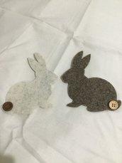 Set due coniglietti in feltro di pura lana