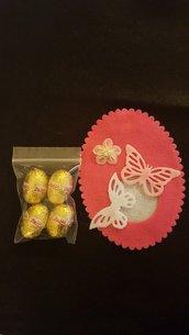Uovo pasquale in feltro Farfalle rosa/bianco