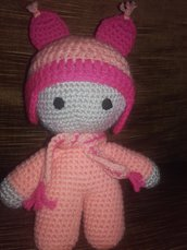 Bambola all'uncinetto peluche bambini homemade amigurumi idea regalo.