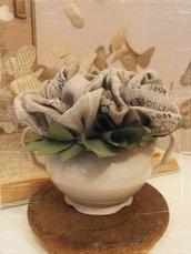 VASETTO ZUCCHERIERA con 3 rose in tessuto di lino