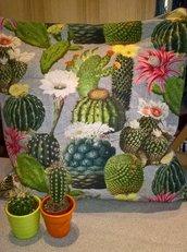 Copricuscino cactus in fiore