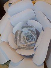 Fiore di carta glitterato