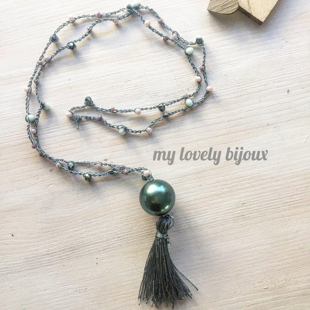Collana lunga con nappina e perla Swarovski
