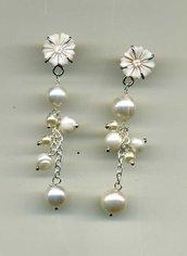 ORECCHINI pendenti con cammeo e ciuffo di perle d'acqua dolce