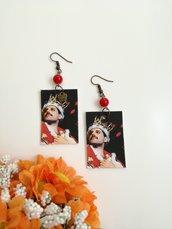 Freddy Mercury orecchini di carta pendenti con perlina rossa