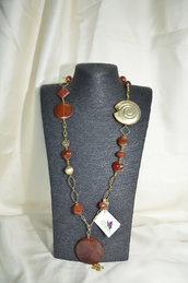 Collana in Metallo color oro, Corniola e Ammonite  in argento indiano