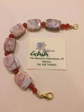 Bracciale in diaspro rosato con venature arancio e palline in agata tipo corniola