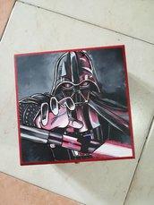 """Scrigno/Porta Gioie/Beauty Case in legno dipinto a mano con acrilici a tema """"Star Wars- Darth Vader"""""""