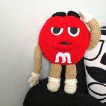 m&m's rosso fatto a mano ad uncinetto, m&m's rosso amigurumi