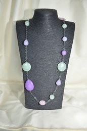 Collana in metallo con Giade colorate