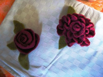 Fiori in feltro e lana cardata