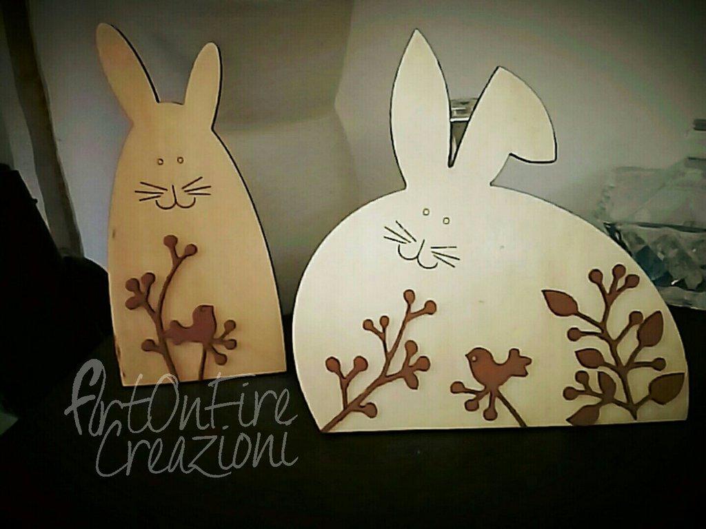 Coniglietti di legno per decorazione Pasquale