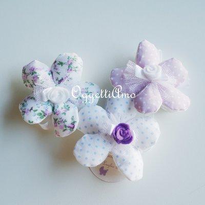 20 fiori portaconfetti per il battesimo shabby chic della piccola Giulia: bomboniere lavanda riutilizzabili come sacchetti aromatici per la biancheria!