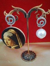Orecchini pendenti la ragazza da l'orecchino di perla