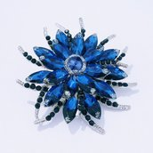 """Spilla in cristallo azzurro """"Lagertha"""""""