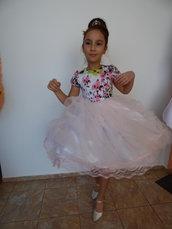 Bellissimo vestito per bambini, abito con set, abito a manica corta realizzato in cotone, parte inferiore in tulle e raso,