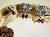 Orecchini agata viola beige tessuto - orecchini tessuto - orecchini pietre naturali - gioielli agata - gioielli boho - orecchini boho