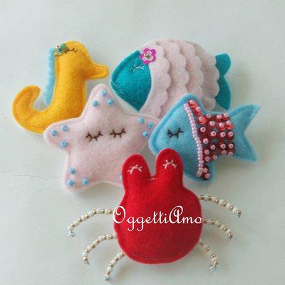5 calamite originali, 5 decorazioni, 5 idee regalo, 5 gadget: 5 soggetti a tema mare per colorare il frigorifero con originali pesci, granchi, stelle marine e cavallucci marini fatti a mano!