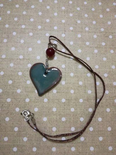 Ciondolo a forma di cuore in ceramica